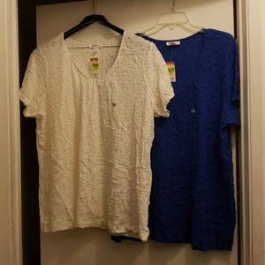 Set of 2 jaclyn Smith collection 2x womens shirts